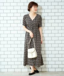 le.coeur blanc OUTLET/レトロフラワープリントVネックワンピース/502686208