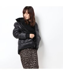 GUESS/ゲス GUESS FELICIA REVERSIBLE DOWN JACKET (JET BLACK)/502763652