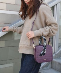 UNGRID bag/スカーフ付クロコ風型押しスクエアバッグ/501937317
