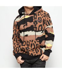 GUESS/ゲス GUESS CAMO MIX LEOPARD HOODED PARKA (BROWN)/502809871