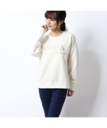GUESS/ゲス GUESS EMBOSSED METALLIC LOGO SWEAT (CREAM WHITE)/502835312