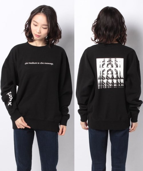X-girl(エックスガール)/PSYCHEDELIC FACE CREW SWEAT TOP/05194202
