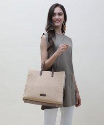 UNGRID bag/ストロースクウェアラージトート/502943332