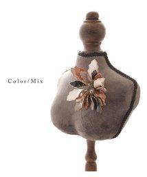 Sawa a la mode/華やかな花モチーフのブローチ/502963033