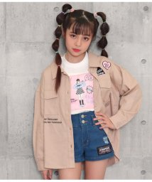 ANAP GiRL/バックプリントワッペン付きツイルシャツ/502994005
