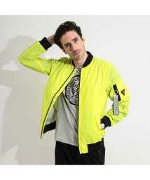 GUESS/ゲス GUESS REFLECTIVE CITY BOMBER JACKET (PSYCHEDELIC COLEUS)/502943291