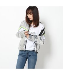 GUESS/ゲス GUESS ANTHIA NYLON JACKET (SILVER)/502943962