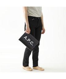 A.P.C./【APC A.P.C.(アーペーセー)】CODDP H63293  IAK pochette axel デニム×レザー フラットポーチ クラッチバッグ DARK/503019980
