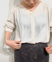 le.coeur blanc OUTLET/Vネックシャーリングブラウス/503130146