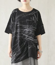 osharewalker/『kOhAKUアシンメトリー手書き風デザインTシャツ』/503146419