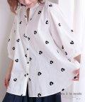 Sawa a la mode/小花刺繍のコットンシャツトップス/503180106
