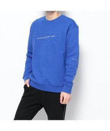 GUESS/ゲス GUESS Unisex Emboss Logo Sweat (BLUE)/503221648