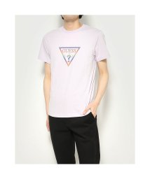 GUESS/ゲス GUESS Reflector Rainbow Triangle Logo Tee (LAVENDER)/503221715