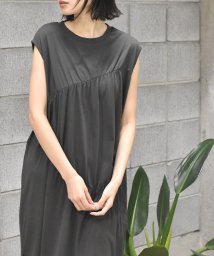 Alley by w closet/【Alley】ギャザーシャーリングノースリワンピース/503363123