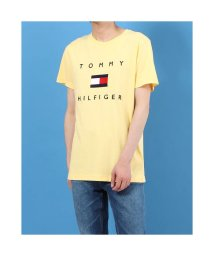 TOMMY HILFIGER/トミーヒルフィガー TOMMY HILFIGER フラッグロゴ プリント Tシャツ (イエロー)/503396562