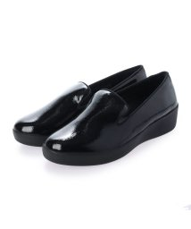 FITFLOP/フィットフロップ fitflop AUDREY CRINKLE-PATENT SMOKING SLIPPERS (Black)/503565990