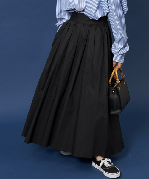 黒フレアスカート/HOLIDAY