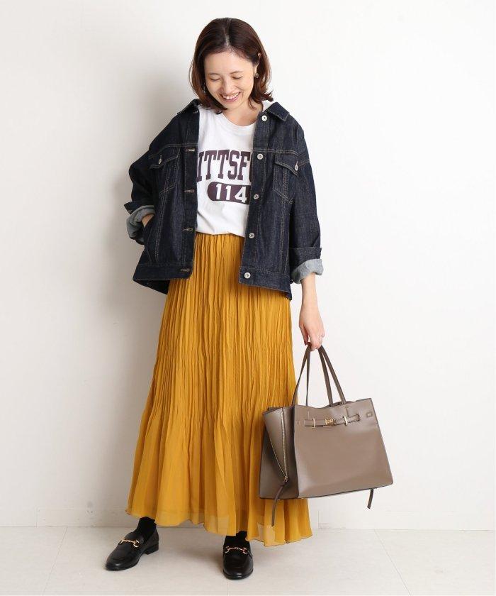 【2019年秋】マスタードのスカートのコーデ