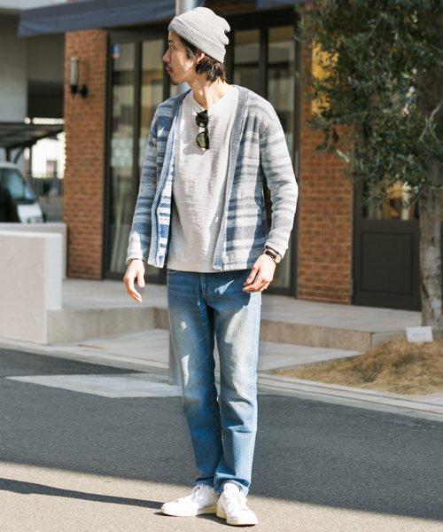 薄手のカーディガン×カットソー×ジーンズ コーデ 画像1
